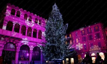 Christmas themed projections - Como Magic Light Festival