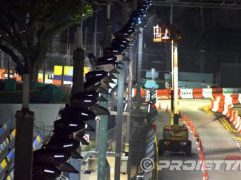 Projecteurs installés pour l'éclairage à la Galerie nationale de Singapour